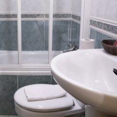 Отель Hostal Tokio Испания, Мадрид - 1 отзыв об отеле, цены и фото номеров - забронировать отель Hostal Tokio онлайн ванная