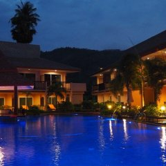 Отель Chivatara Resort & Spa Bang Tao Beach Таиланд, Пхукет - отзывы, цены и фото номеров - забронировать отель Chivatara Resort & Spa Bang Tao Beach онлайн бассейн фото 2