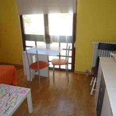 Отель Apartamentos Calafats Испания, Льорет-де-Мар - отзывы, цены и фото номеров - забронировать отель Apartamentos Calafats онлайн комната для гостей