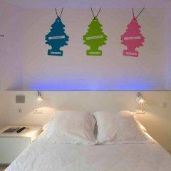 Отель Chic&Basic Tallers Hostal комната для гостей