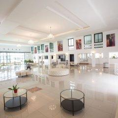 Отель Ta Residence Suvarnabhumi Бангкок гостиничный бар