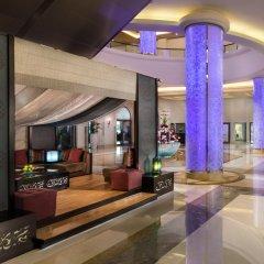 Отель The Ajman Palace гостиничный бар