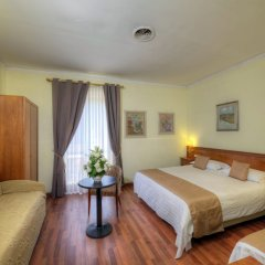 Отель Ristorante Vittoria Италия, Помпеи - 1 отзыв об отеле, цены и фото номеров - забронировать отель Ristorante Vittoria онлайн комната для гостей фото 4