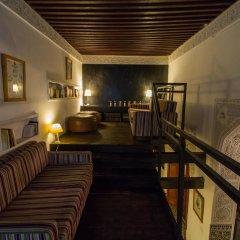 Отель Riad Les Oudayas Марокко, Фес - отзывы, цены и фото номеров - забронировать отель Riad Les Oudayas онлайн интерьер отеля фото 2