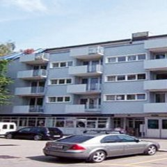 Отель Swiss Star Oerlikon Center парковка