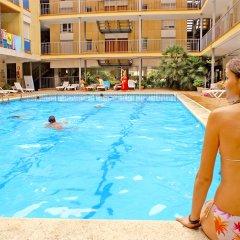 Отель Apartaments Costa d'Or бассейн фото 2