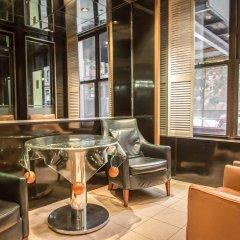 Отель La Quinta Inn & Suites New York City Central Park гостиничный бар