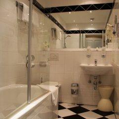Отель Das Opernring Hotel Австрия, Вена - 6 отзывов об отеле, цены и фото номеров - забронировать отель Das Opernring Hotel онлайн ванная
