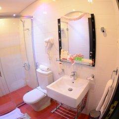Rose Garden Hotel ванная