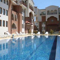 Отель Sunrise Club Apart Hotel Болгария, Равда - отзывы, цены и фото номеров - забронировать отель Sunrise Club Apart Hotel онлайн бассейн