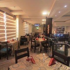 Oakspring Hotel & Luxury Suites питание