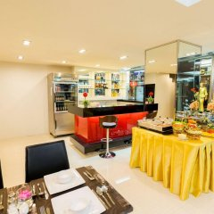 Отель Euro Luxury Pavillion Бангкок гостиничный бар