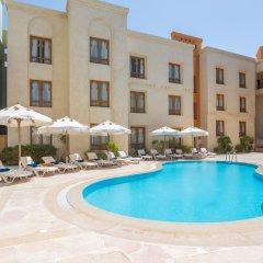 Отель Turtle's Inn бассейн