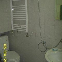Отель Guest House Slona Болгария, Генерал-Кантраджиево - отзывы, цены и фото номеров - забронировать отель Guest House Slona онлайн ванная фото 2