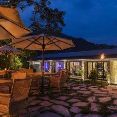Отель Pavilions Himalayas Непал, Лехнат - отзывы, цены и фото номеров - забронировать отель Pavilions Himalayas онлайн гостиничный бар