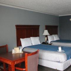Отель Quarters Inn & Suites комната для гостей