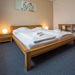 Отель Lions Plzen Пльзень комната для гостей
