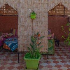 Отель Dar Ikalimo Marrakech бассейн