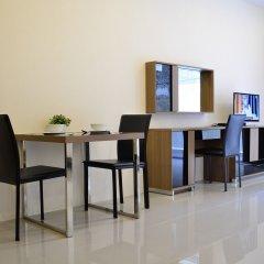 Отель Chic Residences at Karon Beach удобства в номере