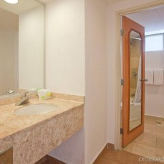 Отель Holiday Inn Resort Acapulco ванная