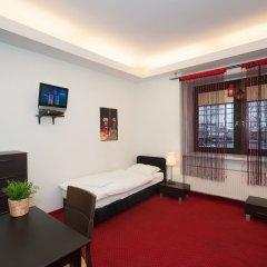 Отель Hostel Helvetia Plus Польша, Варшава - отзывы, цены и фото номеров - забронировать отель Hostel Helvetia Plus онлайн комната для гостей фото 3