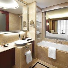 Отель Sheraton Shenzhen Futian Hotel Китай, Шэньчжэнь - отзывы, цены и фото номеров - забронировать отель Sheraton Shenzhen Futian Hotel онлайн ванная
