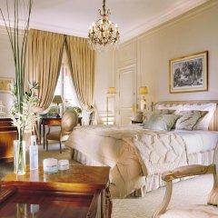 Hotel Plaza Athenee комната для гостей