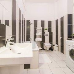 Отель Oasis Apartments - Museum Quarter Венгрия, Будапешт - отзывы, цены и фото номеров - забронировать отель Oasis Apartments - Museum Quarter онлайн ванная фото 2