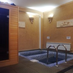Гостиница Private Residence Osobnyak бассейн