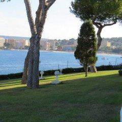 Отель Aparthotel Ponent Mar Испания, Пальманова - 1 отзыв об отеле, цены и фото номеров - забронировать отель Aparthotel Ponent Mar онлайн приотельная территория