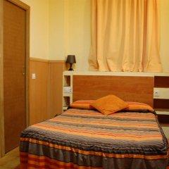 Отель Pensión 45 Испания, Барселона - отзывы, цены и фото номеров - забронировать отель Pensión 45 онлайн комната для гостей фото 3