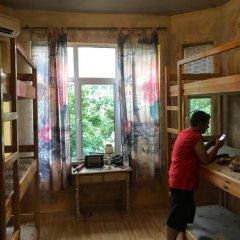 Отель Funky Monkey Hostel Болгария, Пловдив - отзывы, цены и фото номеров - забронировать отель Funky Monkey Hostel онлайн интерьер отеля фото 2