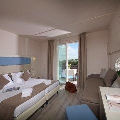 Отель Splendid Sole Манерба-дель-Гарда комната для гостей