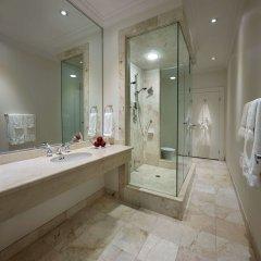 Отель The Strathcona Hotel Канада, Торонто - отзывы, цены и фото номеров - забронировать отель The Strathcona Hotel онлайн ванная фото 2