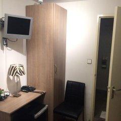Art Gallery Hotel сейф в номере