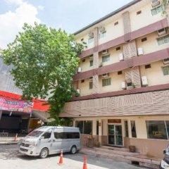 Отель Cozy Villa Бангкок парковка