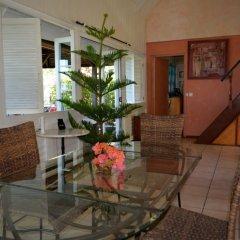 Отель Maison Te Vini Holiday home 3 Французская Полинезия, Пунаауиа - отзывы, цены и фото номеров - забронировать отель Maison Te Vini Holiday home 3 онлайн интерьер отеля фото 2