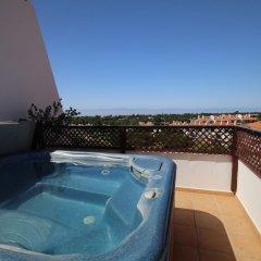 Отель Villa Sol by BnbLord бассейн