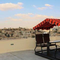 Отель Nomads Hostel Иордания, Амман - отзывы, цены и фото номеров - забронировать отель Nomads Hostel онлайн бассейн