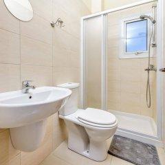 Отель Villa Atlas Кипр, Протарас - отзывы, цены и фото номеров - забронировать отель Villa Atlas онлайн ванная фото 2