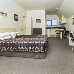 Отель Colonial Manor Motel комната для гостей фото 5