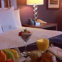 Отель DoubleTree by Hilton Carson в номере фото 2