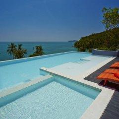 Отель Bandara Phuket Beach Resort бассейн фото 6