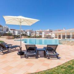 Отель Salema Beach Village бассейн