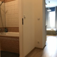 Отель Slavojova ApartMeet Прага ванная