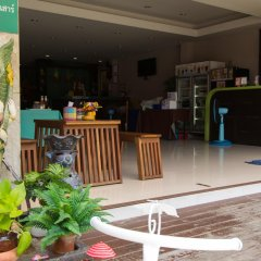 Отель ZEN Rooms Mahachai Khao San гостиничный бар