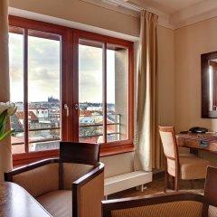 Отель Majestic Plaza Чехия, Прага - 8 отзывов об отеле, цены и фото номеров - забронировать отель Majestic Plaza онлайн удобства в номере фото 2