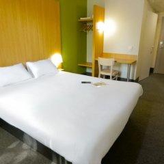 Отель B&B Hôtel Paris Châtillon сейф в номере