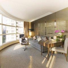 Отель The Salisbury - YMCA of Hong Kong Люкс с различными типами кроватей фото 5
