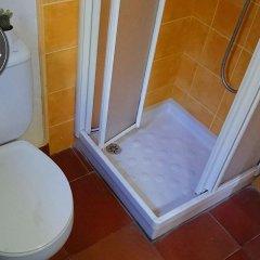 Отель La Curva Surfhouse Испания, Рибамонтан-аль-Мар - отзывы, цены и фото номеров - забронировать отель La Curva Surfhouse онлайн ванная